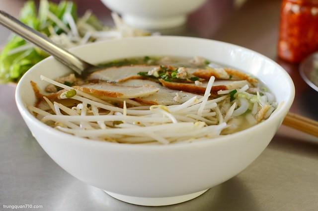 Bánh canh chả cá Phú Quốc