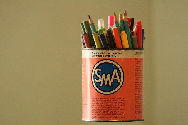 tin of pens