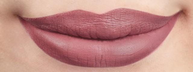27 Aurora Lip Swatch