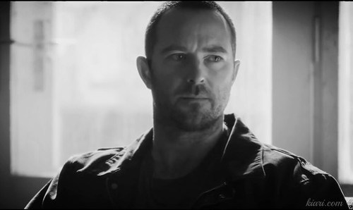 Sullivan Stapleton in Renegades
