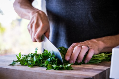 flat-leaf parsley has more flavor than curly parsley