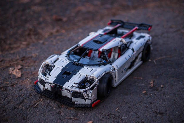 lego technic koenigsegg one 1 the brothers brick the brothers brick. Black Bedroom Furniture Sets. Home Design Ideas