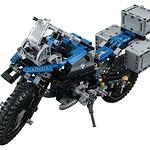 LEGO Technic 42063 BMW R 1200 R Adventure 01