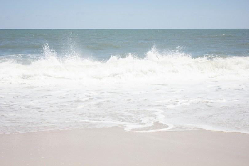 dewey-beach-delaware-waves