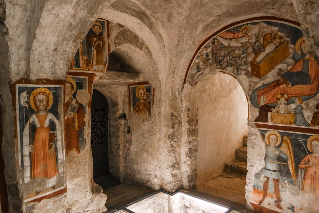 Cripta del Santuario di Santa Maria del Monte