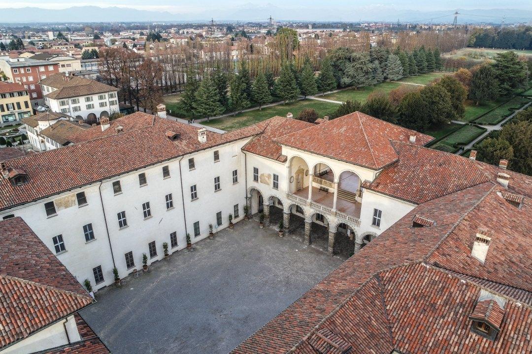 Palazzo Arese Borromeo