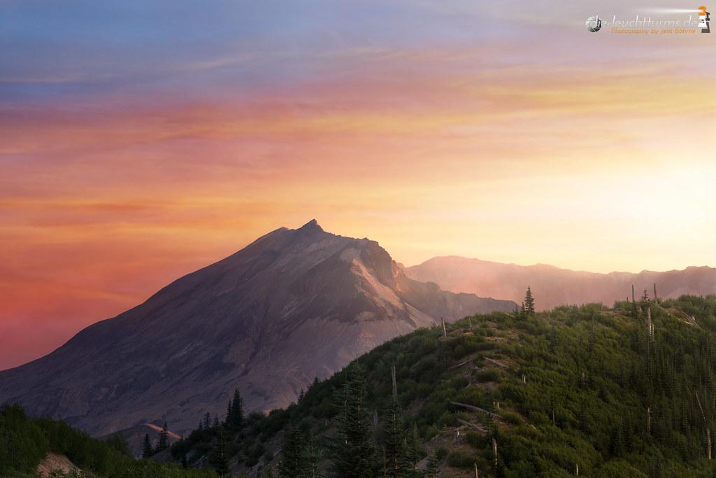 Mount St. Helens sunset
