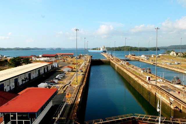 3 - gatun lake ahead
