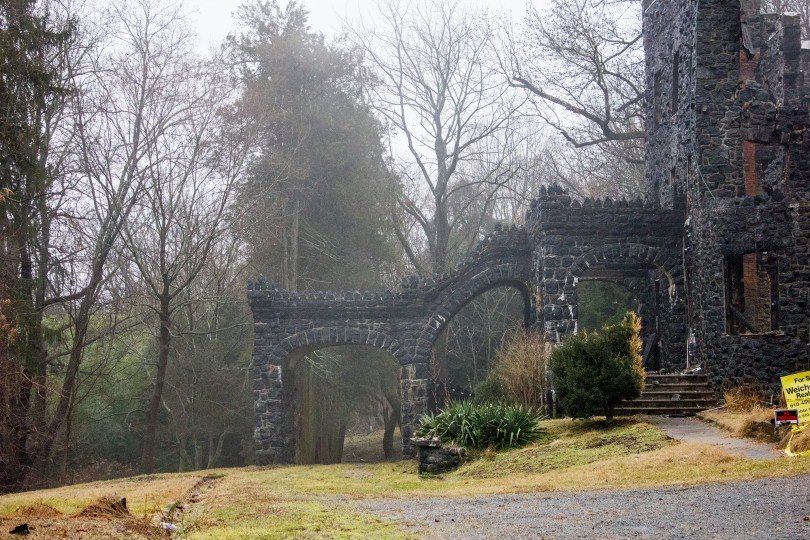 rocky-hill-castle-chadds-ford-fire-damage-portico