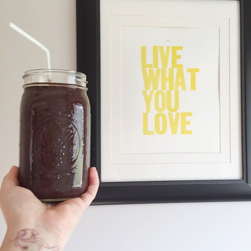 Get It Girl Smoothie: (with adjustments from @thekitchenbeet's original recipe) 1 C water, 1 C each spinach and kale, 1 grapefruit, peeled, 1 C frozen blueberries, 1 TBS chia seeds, 1 heaping TBS hemp powder and coconut oil each and a swirl of agave necta