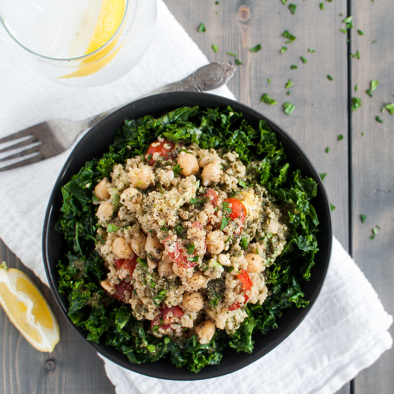 Quick summer quinoa tabbouleh--perfect for parties and picnics! (gluten-free | meatless | healthy)