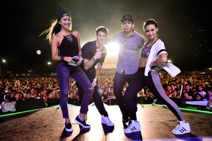 167667-MTV VJs Hanli Hoefer, Alan Wong, Chris Schneider and Yassi Pressman hosting MTV Music Evolution 2015 on 17 May Pic 1 (Credit - MTV Asia & Kristian Dowling)-e69c1d-original-1431969345