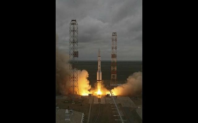 Se estrella cohete que trasladaba satélite mexicano