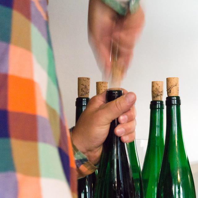 Der spannende Moment wo der Kork die Flasche verlässt