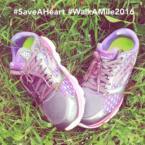 Put my purple shoes on today to walk more! Let's reach above 10k steps today. Tomorrow I'll be joining WalkaMile2016 at https://www.dearnestle.com.my/event/walk-a-mile2016 .. #SaveAHeart #NestleOmegaPlus #fitness #blogger #health #WalkAMile2016
