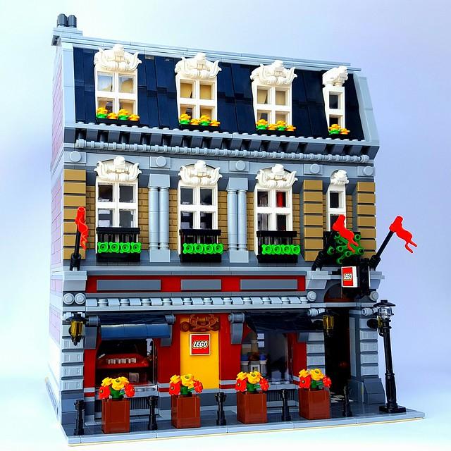 LEGO Store - Modular Building