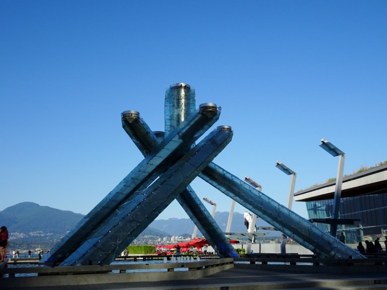 Vancouver backpacker hostel accommodation, Canada - the tea break project solo travel blog
