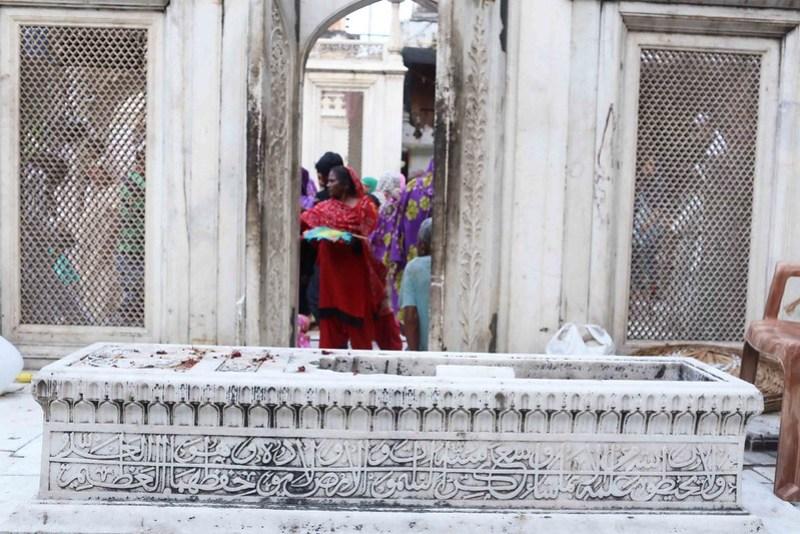 City Monument - Muhammad Shah Rangila's Tomb, Hazrat Nizamuddin's Dargah