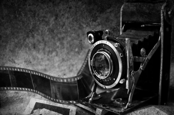 old-camera-13794456338sV