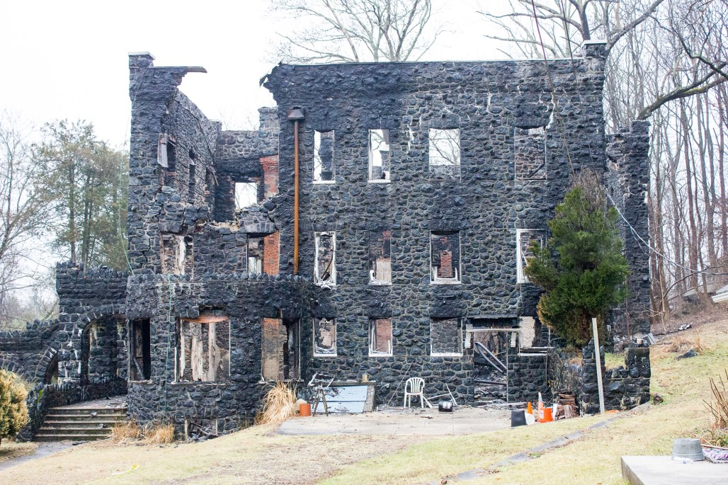 rocky-hill-castle-chadds-ford-fire-damage-side