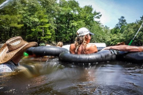 Edisto Beer Commercial and Rope Swing Float-121