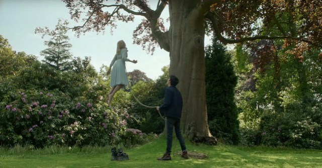 Miss-Peregrines-Home-for-Peculiar-Children-trailer