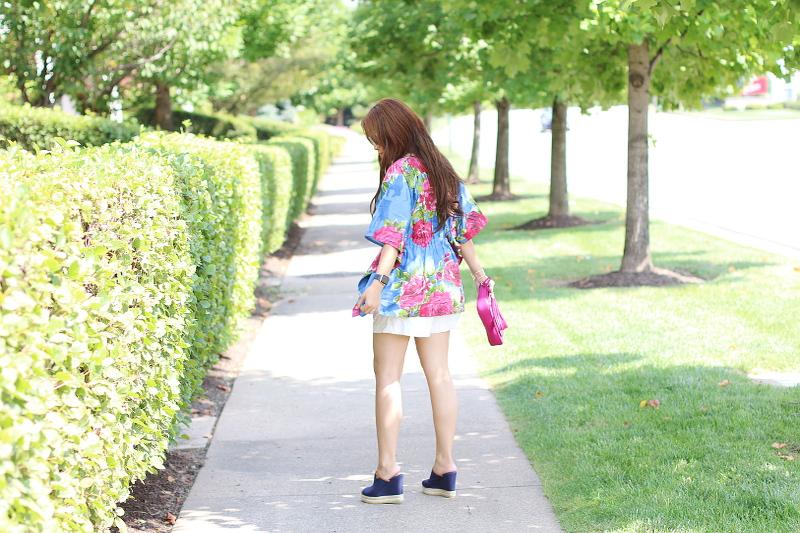 kaftan-floral-blouse-shorts-slip-ons-3