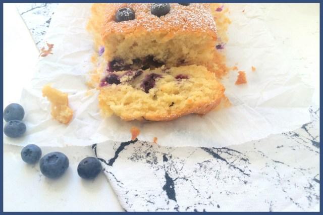 blueberry-yoghurt cake