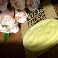 Beauty : Lush - Yes yes yes massage bar