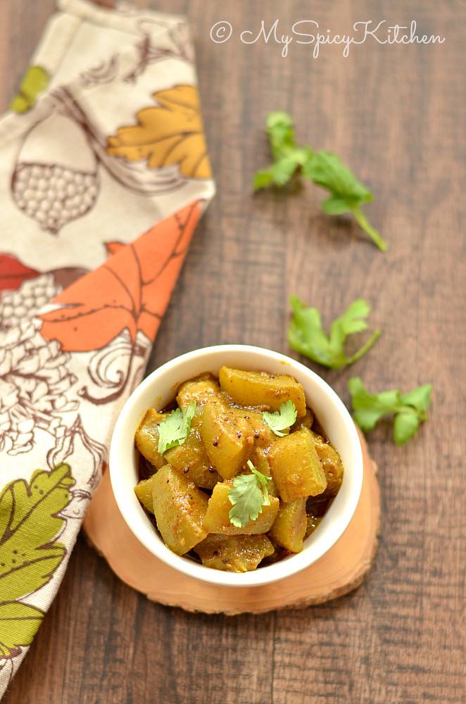 Dudhi chi bhaji, Dudhichi bhaji, Doodhi chi bhaji, Sorakaya koora, Lauki ki sabzi, Bottle Gourd Curry, Maharashtrian Food,  Side Dish, Indian Curry,
