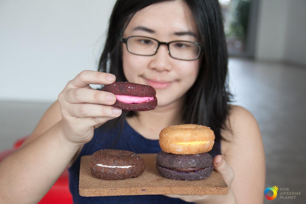 Mister Donut: Cake Donuts