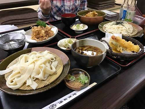 夕食@玉川温泉、手前が自分の