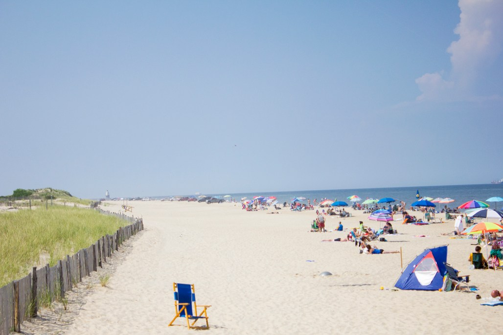lewes-delaware-beach-ocean-cape-henlopen-blue-chair