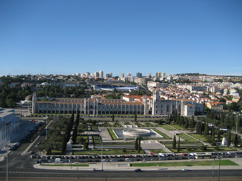 Monasterio de los Jerónimos desde lo alto del Monumento a los Descubrimientos. ViajerosAlBlog.com.