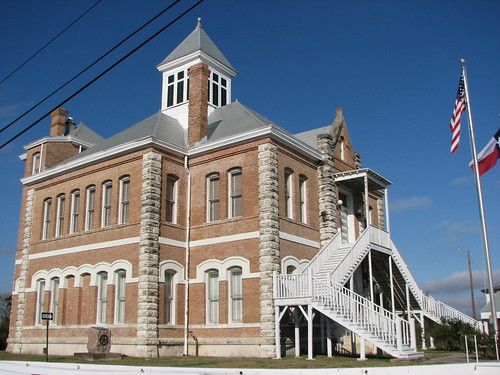 Grimes County Courthouse, side view