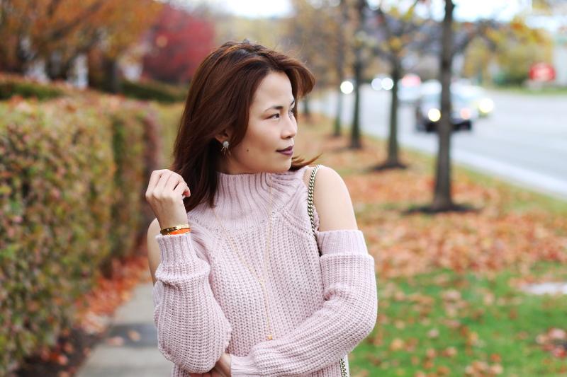 cold-shoulder-pink-sweater-4