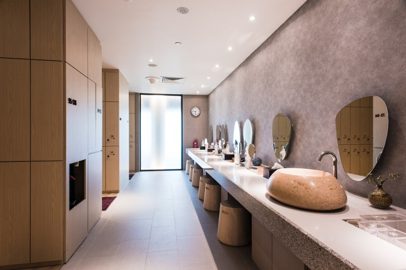 Yunomori uses Puri Alchemy's range of spa products, one of Thailand's leading luxury spa and aromatheraphy brands, in all toiletries, spa treatment and amenities
