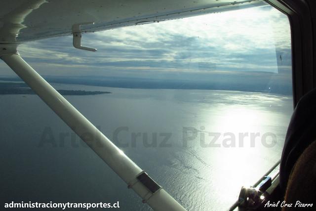 Avioneta en el mar