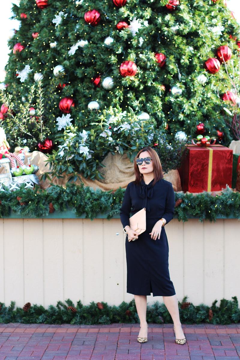 Banana-Republic-dress-holiday-look-leopard-pumps-4