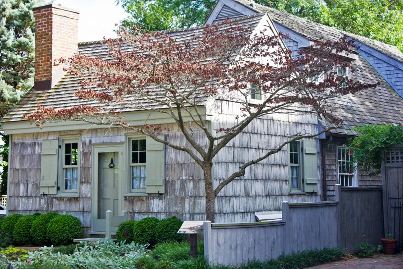 delaware-lewes-historic-house-green