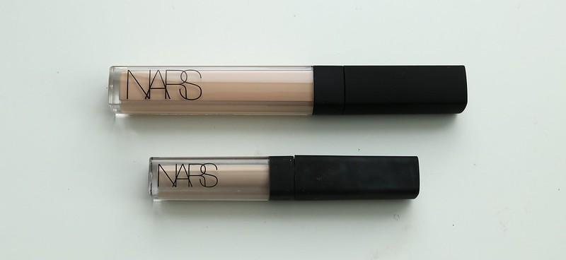 Comparison of shades Light 2.5 Creme Brulee and Light 2 Vanilla