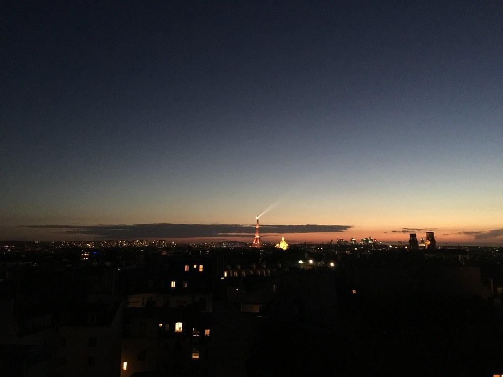 eiffel tower paris sunset