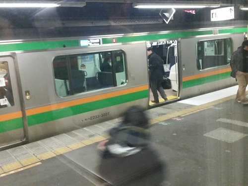 急に先行が変更になった高崎線グリーン車から(昨日)