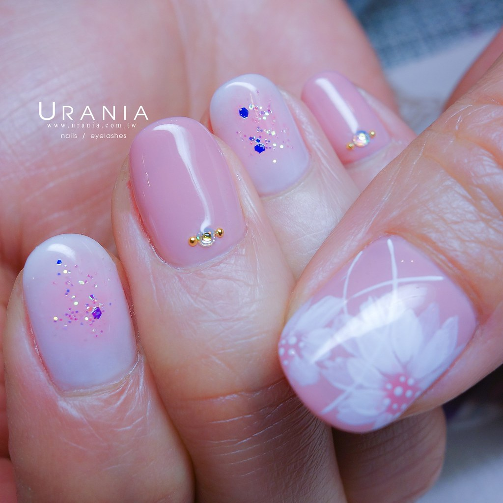 ♥ 粉嫩的少女情懷!愛上粉色指甲彩繪 15