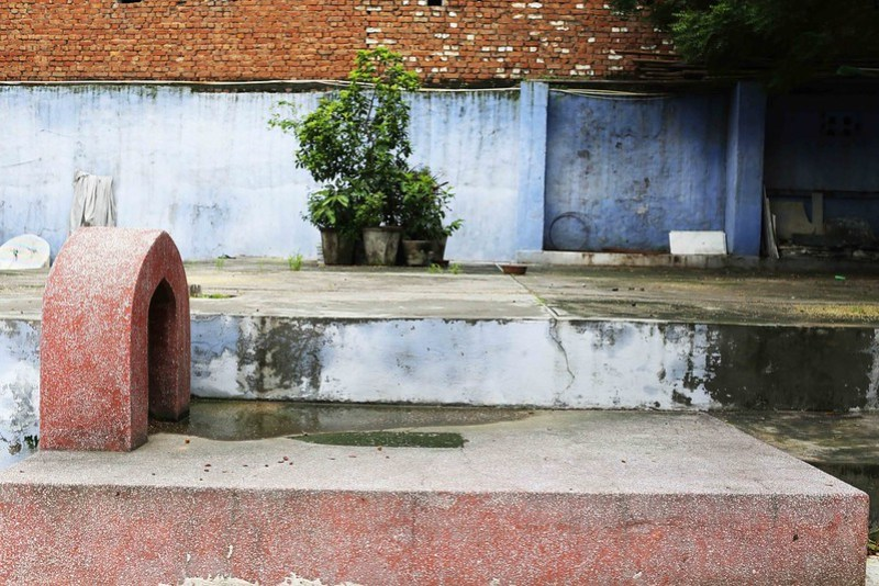 100 Things to Do Before You Quit Delhi – Hang Out Amid Chirag Dilli's Anonymous Tombs, Near Greater Kailash
