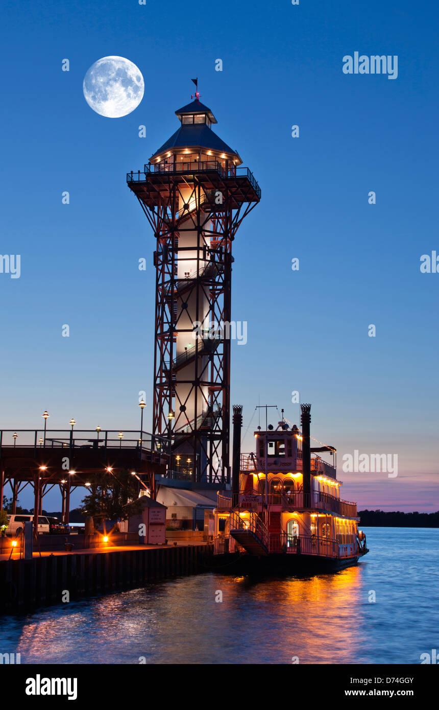 VICTORIAN PRINCESS STEAMBOAT BICENTENNIAL TOWER DOBBINS LANDING Stock Photo Royalty Free Image