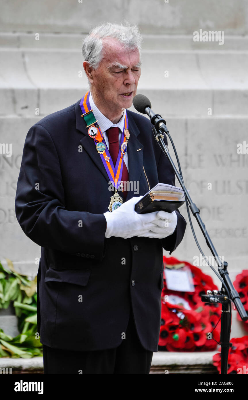 Belfast, Northern Ireland, 12th July 2013 - Reverend Martin Smyth from the Orange Order leads prayers for fallen Stock Photo