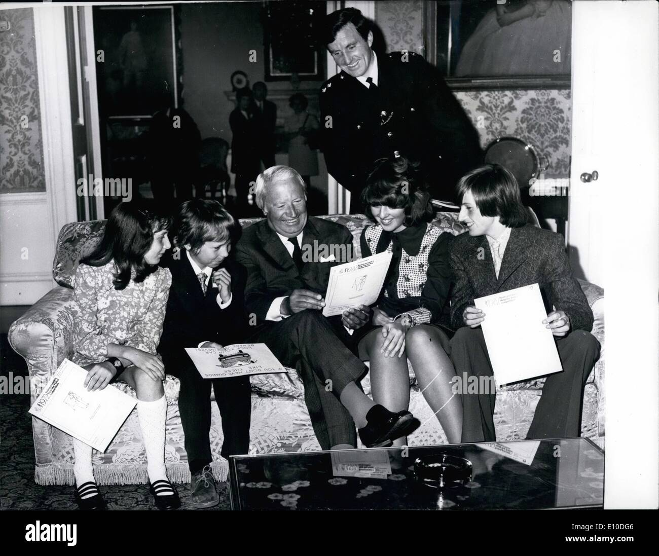 "Jul. 07, 1972 - ""Help Police"" Winners at No.10: Prime Minister Edward Heath is seen with the four winners Stock Photo"