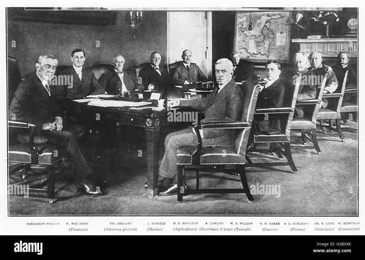 Ww1 The United States Enters War President Woodrow Wilson S Cabinet Meets Date 1917