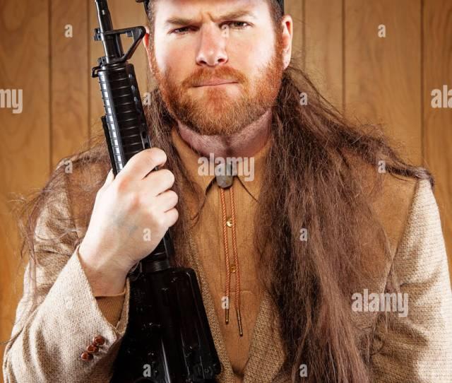 Hick Meridional Con Un Rifle Y Melena